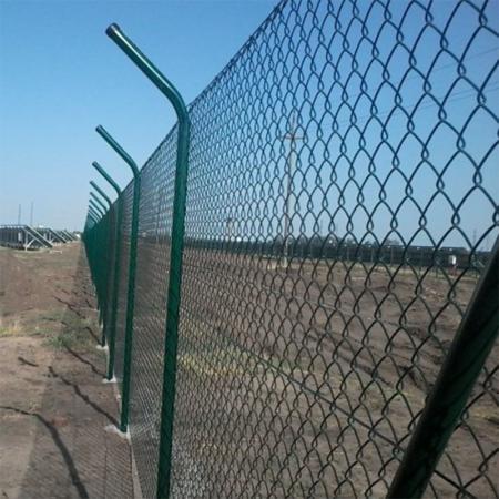 Cea mai buna plasa de gard zincata plastifiata pentru terenuri