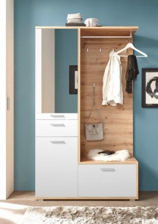 Integreaza un cuier de hol ieftin perfect pentru orice locuinta.