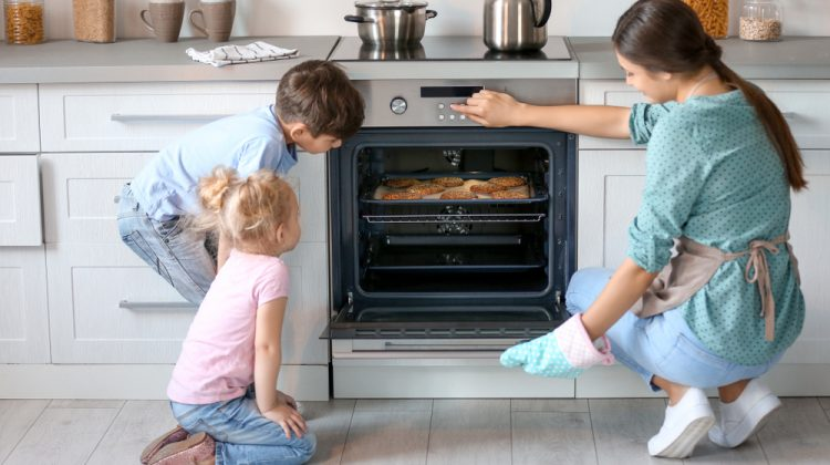 Cel mai bun aragaz cu cuptor electric pentru bucataria ta? Vezi TOP 4 modele